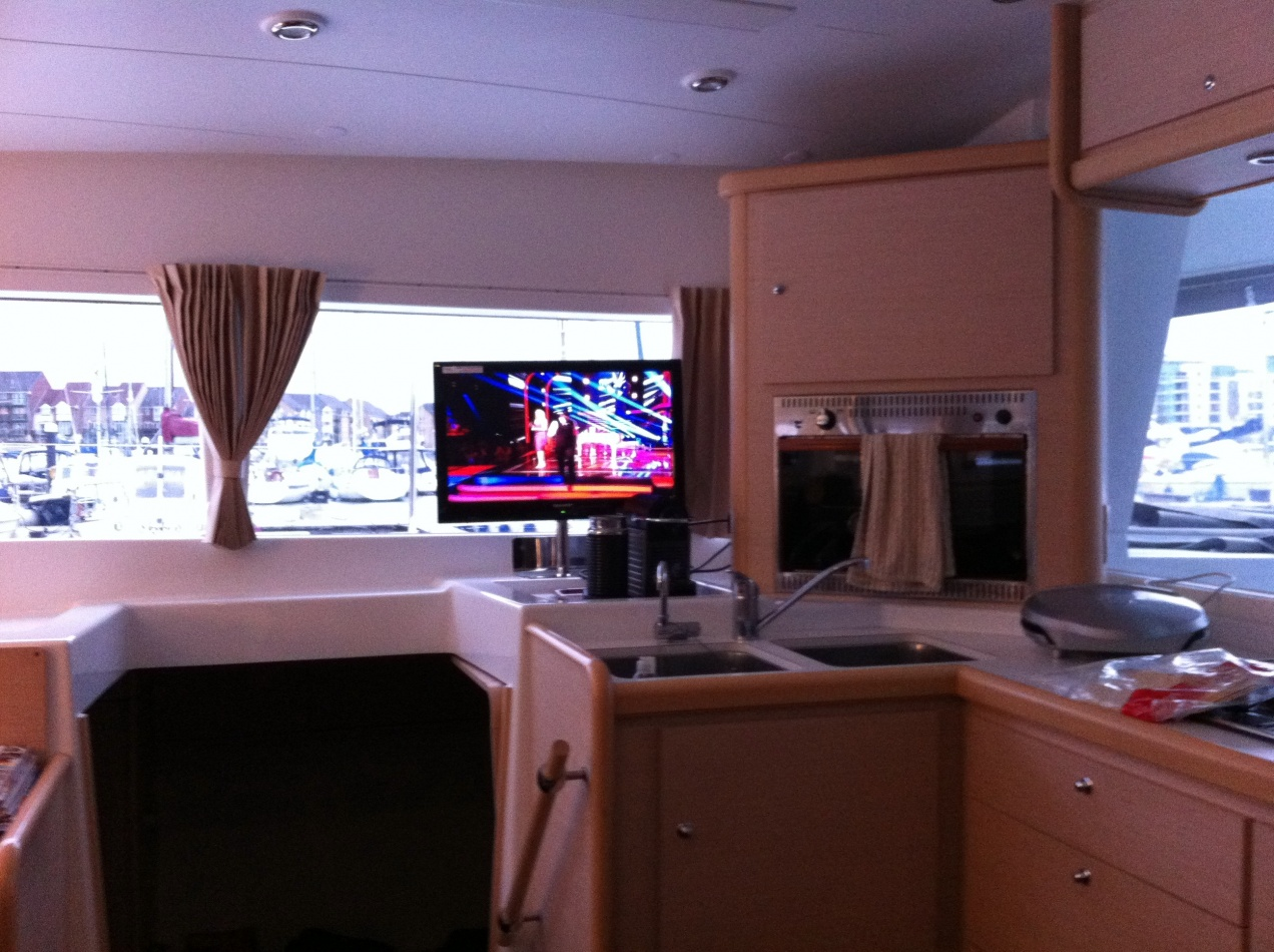 Click image for larger version  Name:boat tv pics 001.jpg Views:191 Size:399.8 KB ID:40519