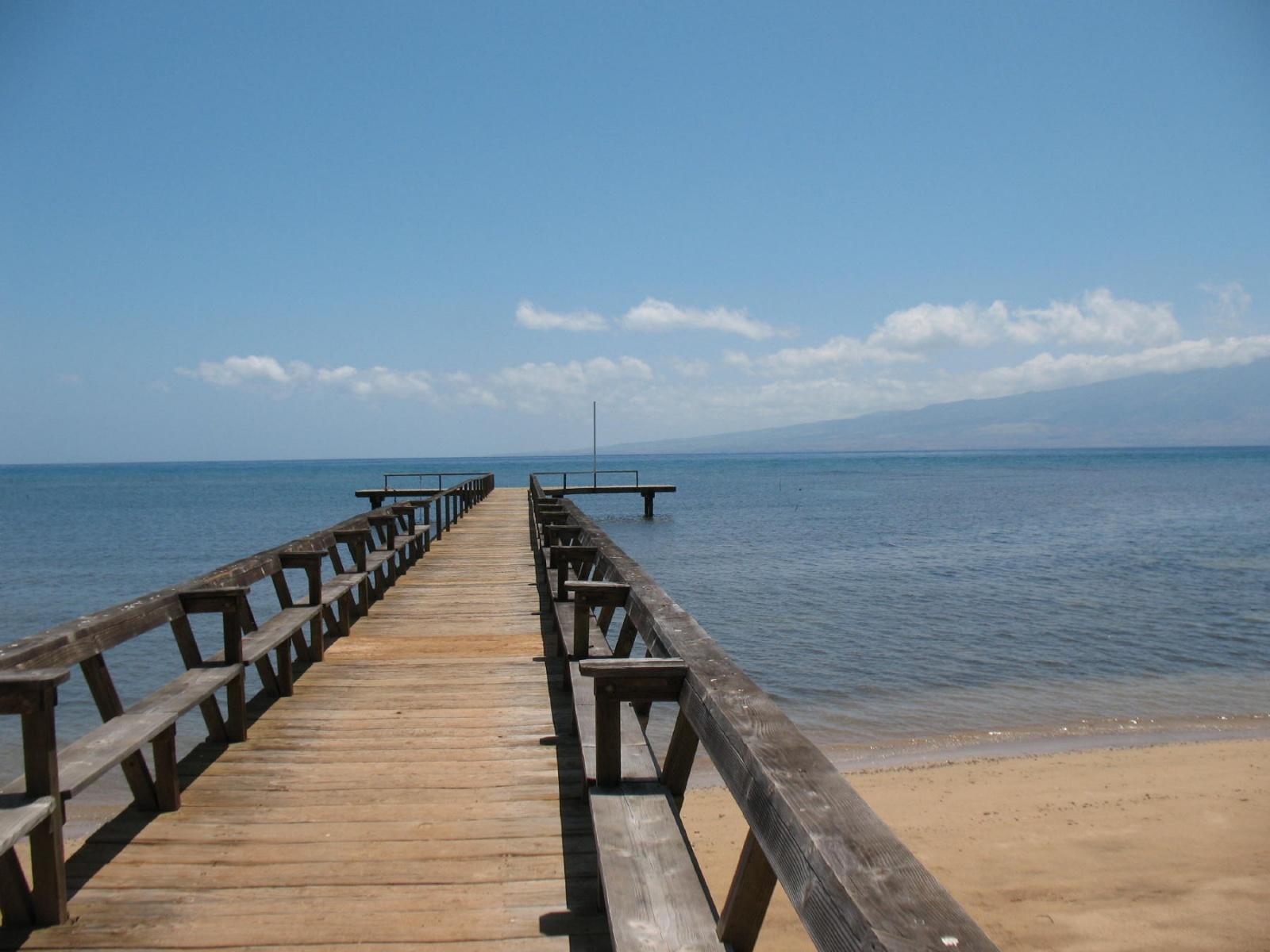 Click image for larger version  Name:Lanai Club Pier.jpg Views:336 Size:392.8 KB ID:41533