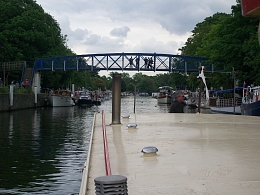 Click image for larger version  Name:barge to london 102.jpg Views:130 Size:421.9 KB ID:41875