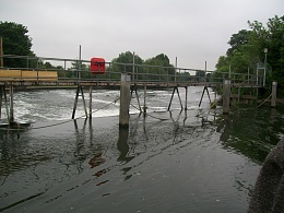 Click image for larger version  Name:barge to london 125.jpg Views:139 Size:418.2 KB ID:41877