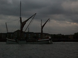Click image for larger version  Name:barge to london 034.jpg Views:127 Size:381.9 KB ID:41889