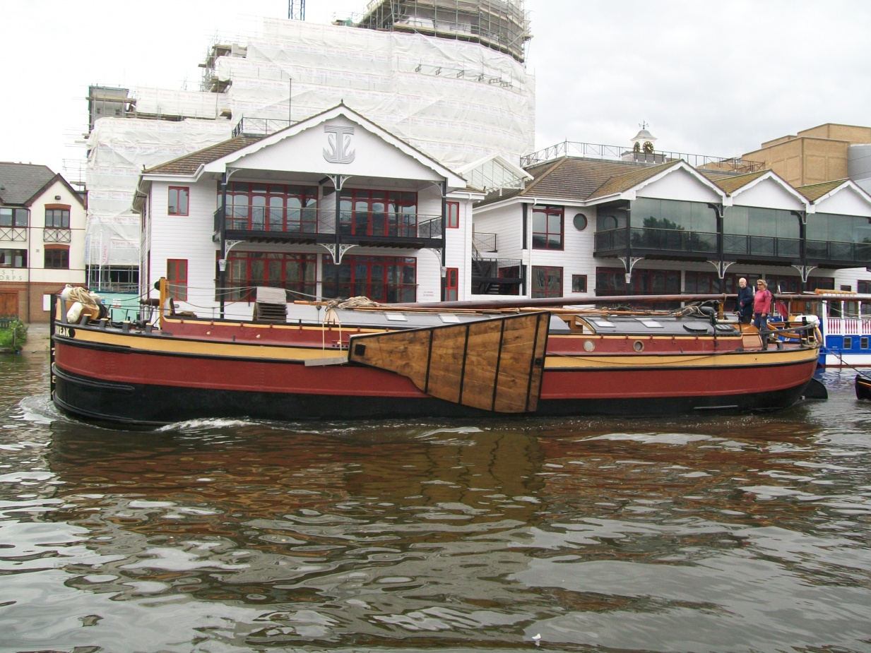 Click image for larger version  Name:barge to london 116.jpg Views:71 Size:437.4 KB ID:41900