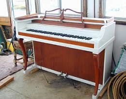 Click image for larger version  Name:piano.jpg Views:101 Size:32.6 KB ID:42100