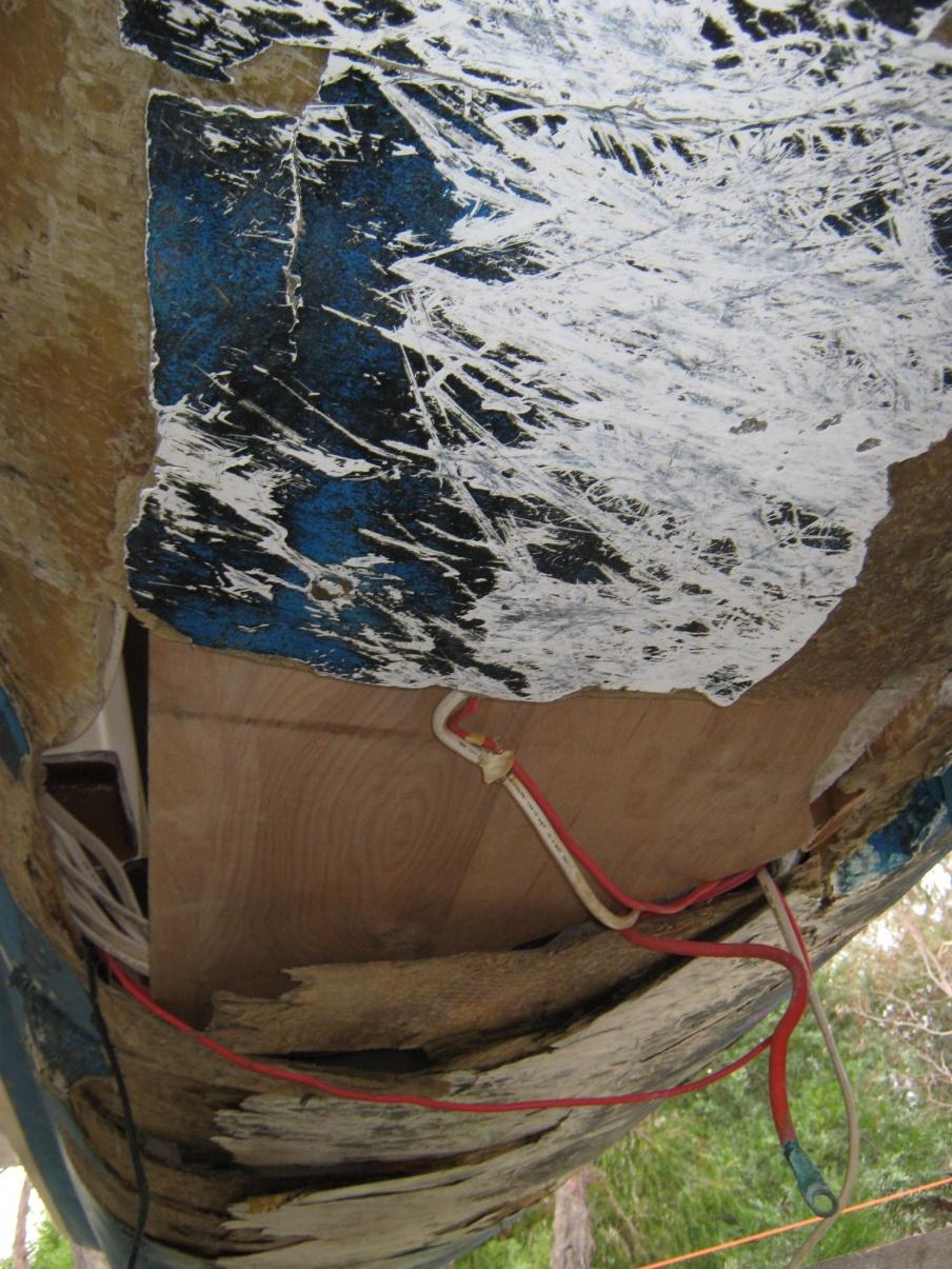 Click image for larger version  Name:Boat repairs in progress at Yaringa. June 2012 002.jpg Views:159 Size:442.5 KB ID:42440
