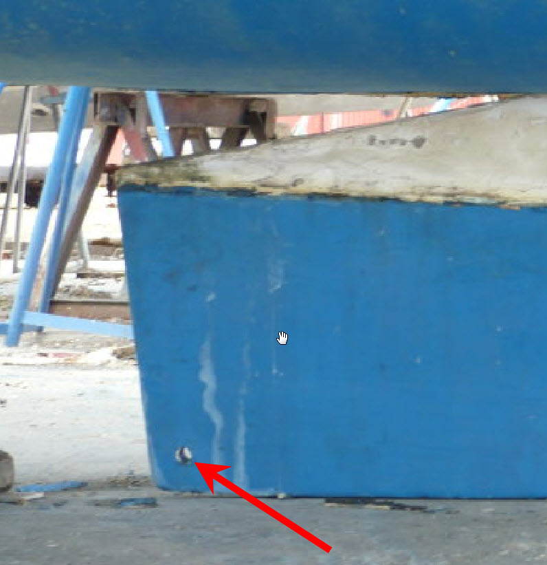 Click image for larger version  Name:keel tow hole.jpg Views:175 Size:87.5 KB ID:42833