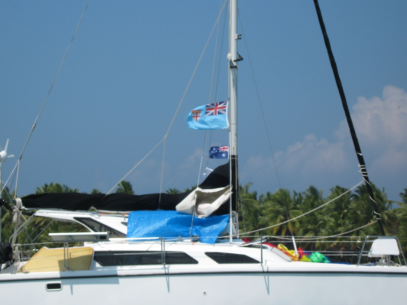 Click image for larger version  Name:Heathers piccys Fiji Sailchute Boat Us 250.jpg Views:134 Size:402.4 KB ID:44144