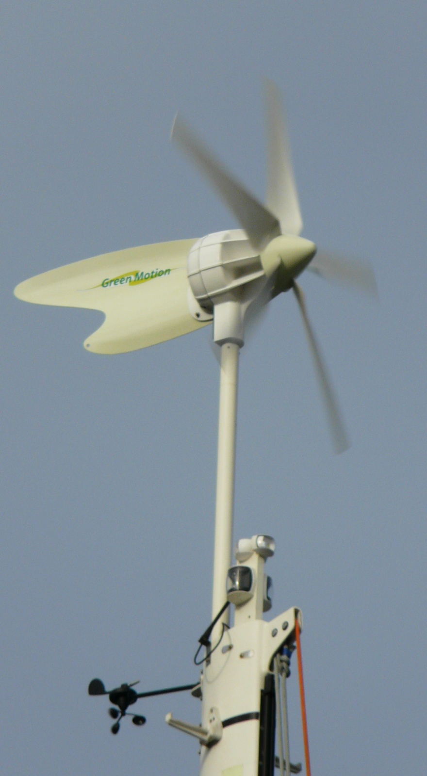 Click image for larger version  Name:D 400 wind generator 014.jpg Views:146 Size:245.9 KB ID:45871