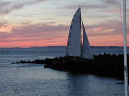 Click image for larger version  Name:Computer screen saver boat pics 061.jpg Views:109 Size:401.8 KB ID:46355