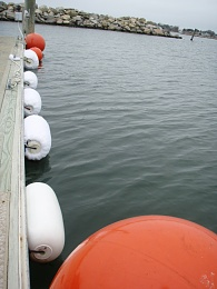 Click image for larger version  Name:Dock_Fenders_1.jpg Views:125 Size:392.9 KB ID:46423