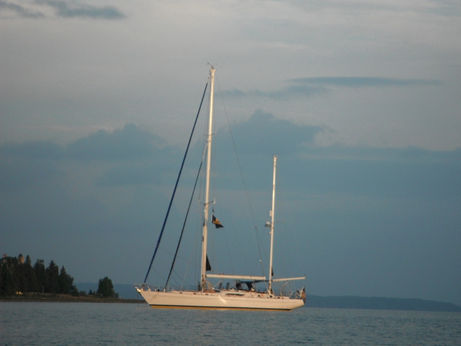 Click image for larger version  Name:NO WIMPY MAST.jpg Views:156 Size:368.0 KB ID:46887