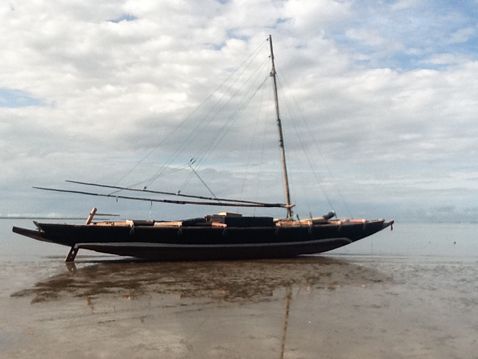 Click image for larger version  Name:black hull.JPG Views:118 Size:203.1 KB ID:47276