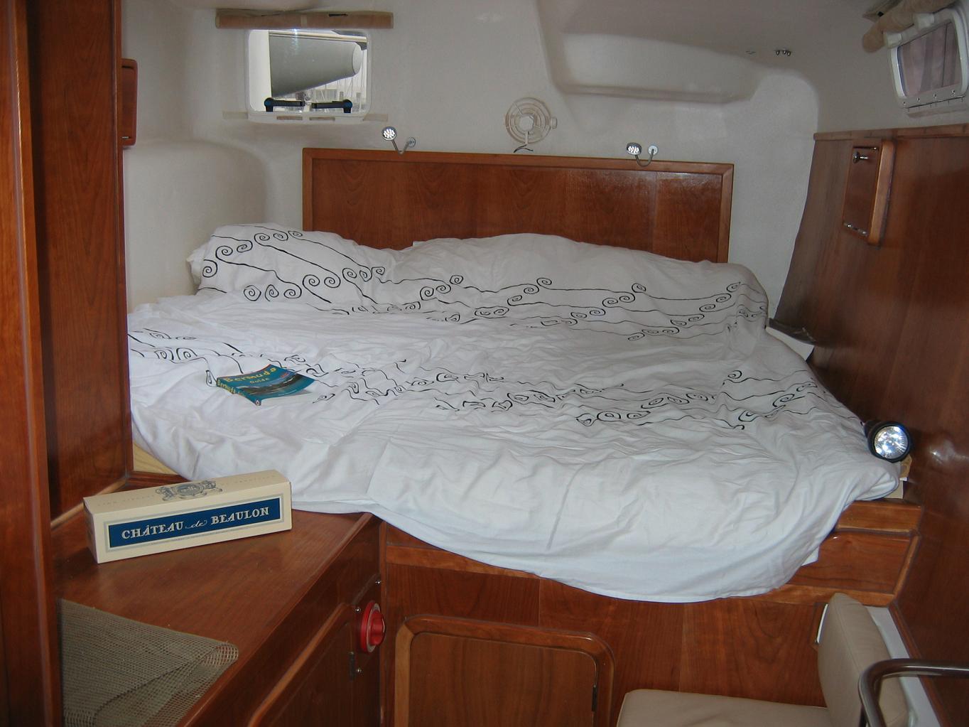 Click image for larger version  Name:Fast Cat 435-Les couchettes des cabines arri_re sont royales!kl.JPG Views:305 Size:139.5 KB ID:4740