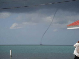 Click image for larger version  Name:Water Spout Placencia.jpg Views:217 Size:6.6 KB ID:49521