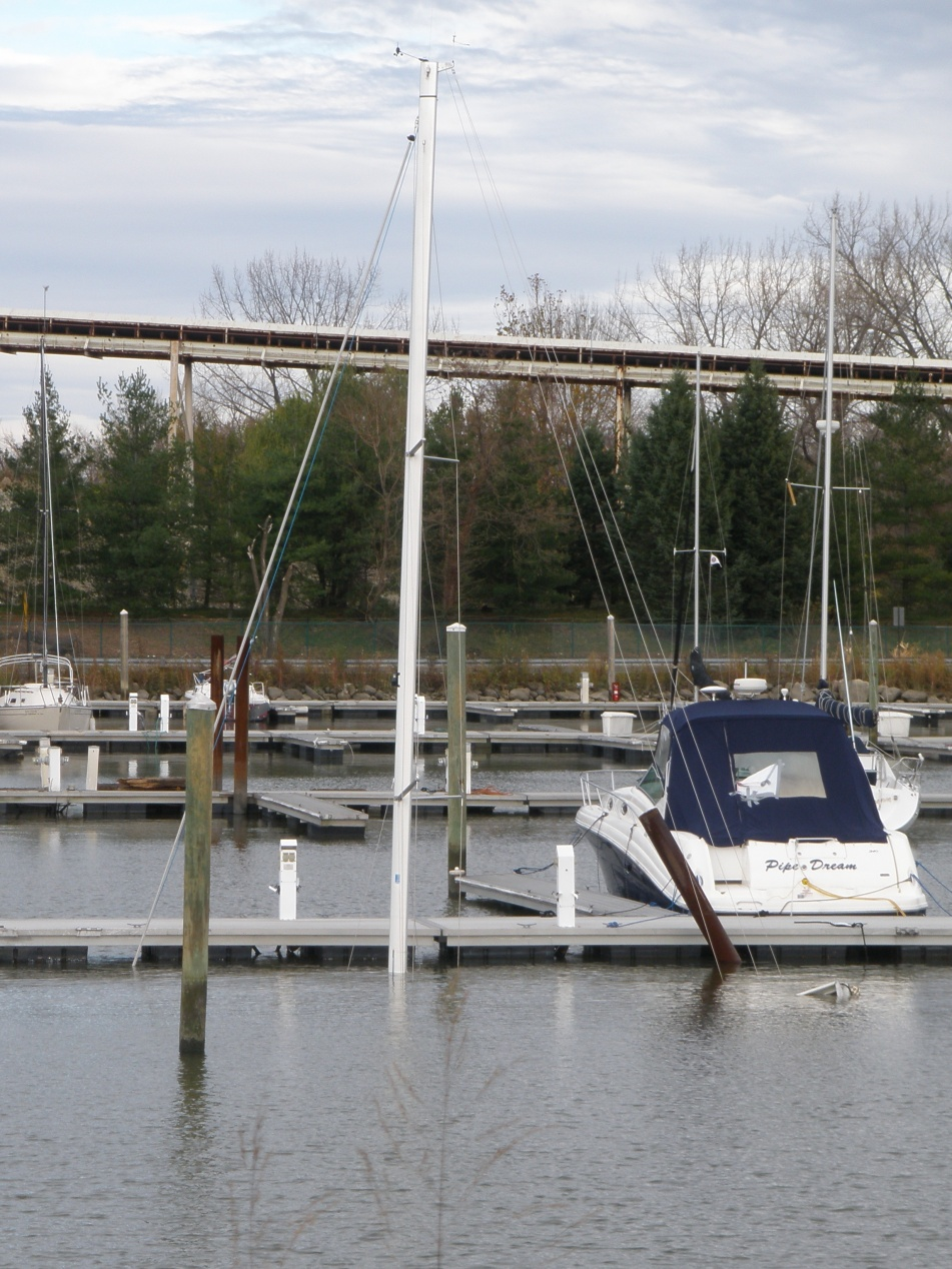 Click image for larger version  Name:Sunk Sailboat.jpg Views:279 Size:425.8 KB ID:49622