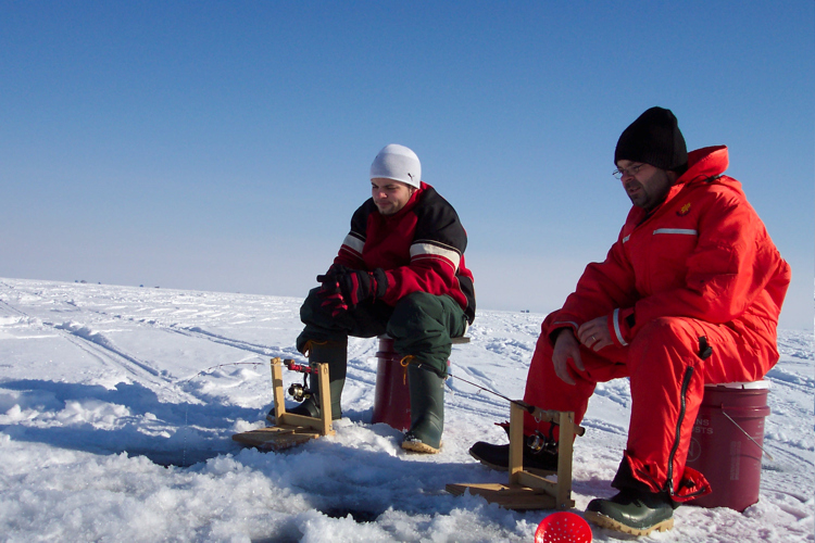 Click image for larger version  Name:ice-fishing-1.jpg Views:84 Size:274.5 KB ID:4983