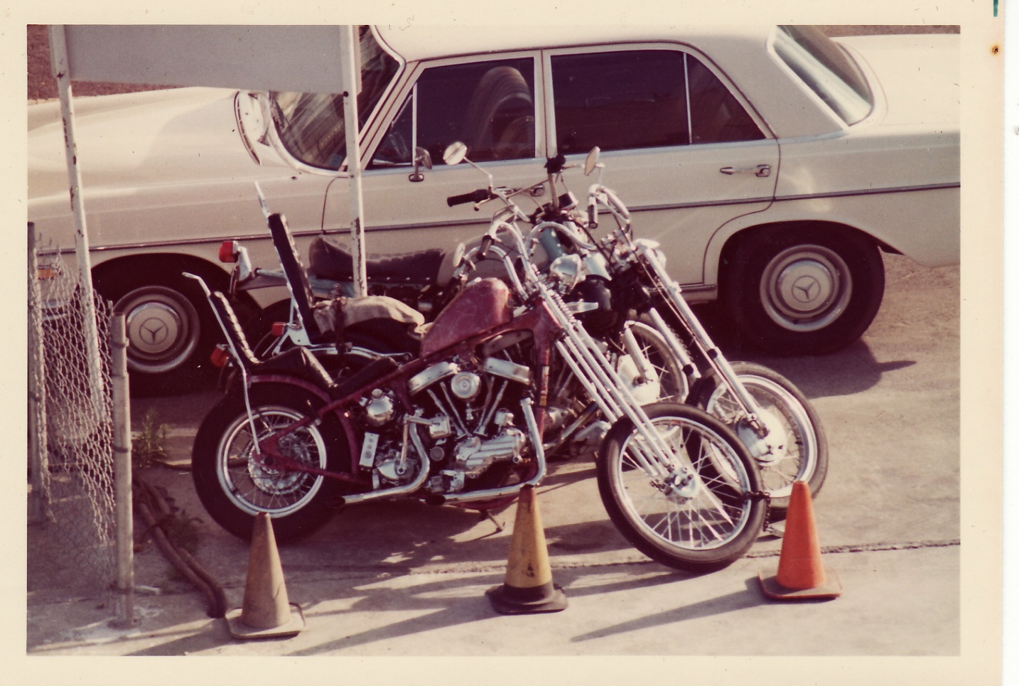 Click image for larger version  Name:first Harley.jpg Views:75 Size:414.3 KB ID:50638