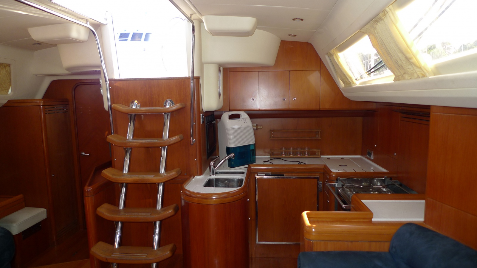 a really good galley design - cruisers & sailing forums