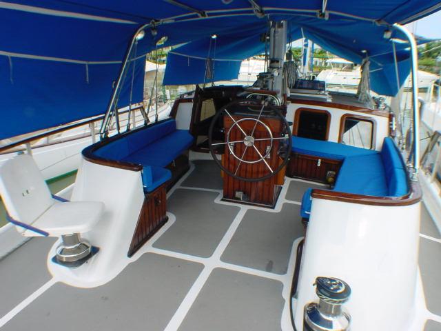 Click image for larger version  Name:1b cockpit.JPG Views:167 Size:59.7 KB ID:51259