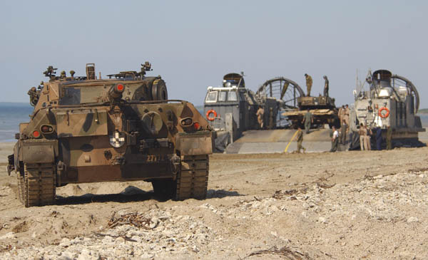 Click image for larger version  Name:tanks at shoalwater bay.jpg Views:99 Size:74.5 KB ID:526