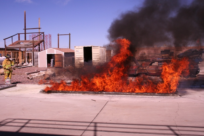 Click image for larger version  Name:Fire extinguisher.jpg Views:94 Size:155.1 KB ID:52894