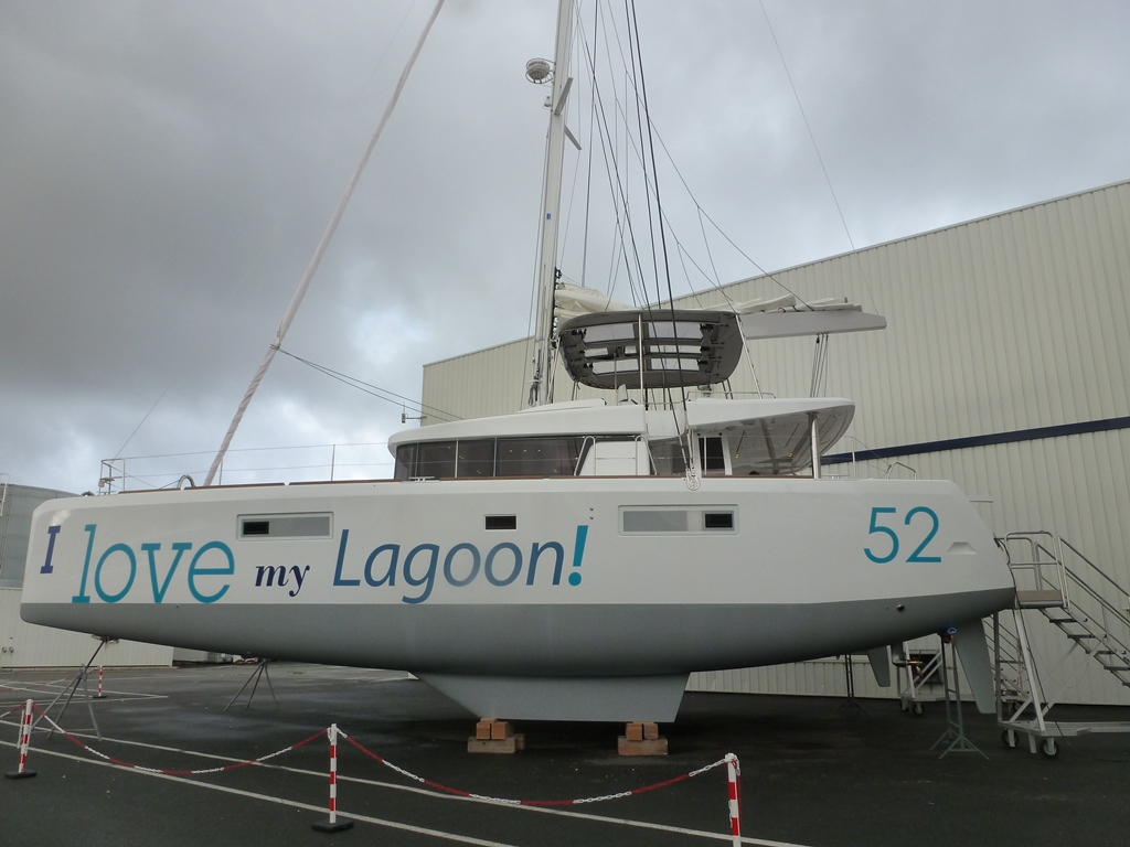 Click image for larger version  Name:nouveau Lagoon 52 1.jpg Views:372 Size:317.1 KB ID:55423