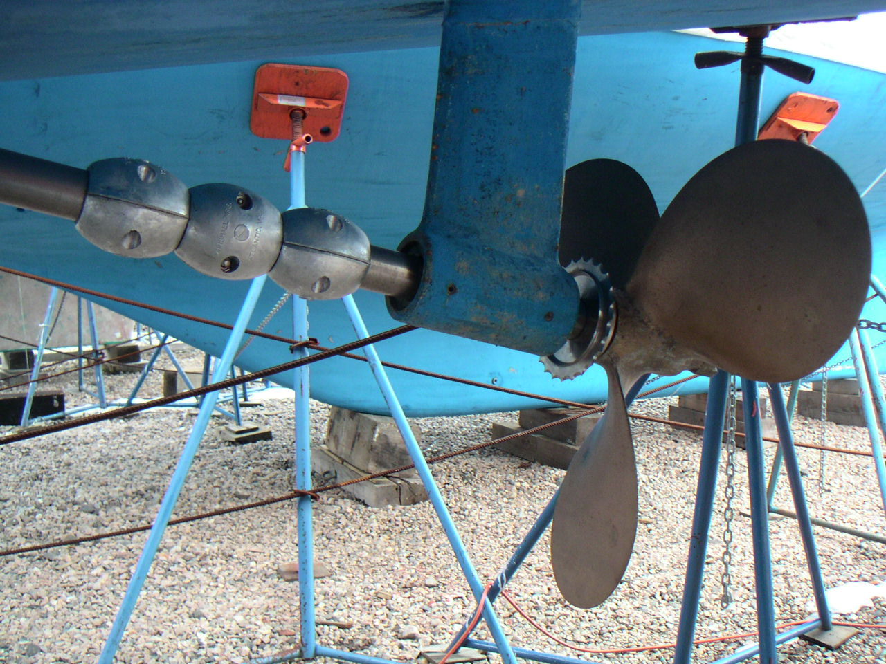 Click image for larger version  Name:Catalina380_Prop_2.jpg Views:405 Size:284.7 KB ID:55811