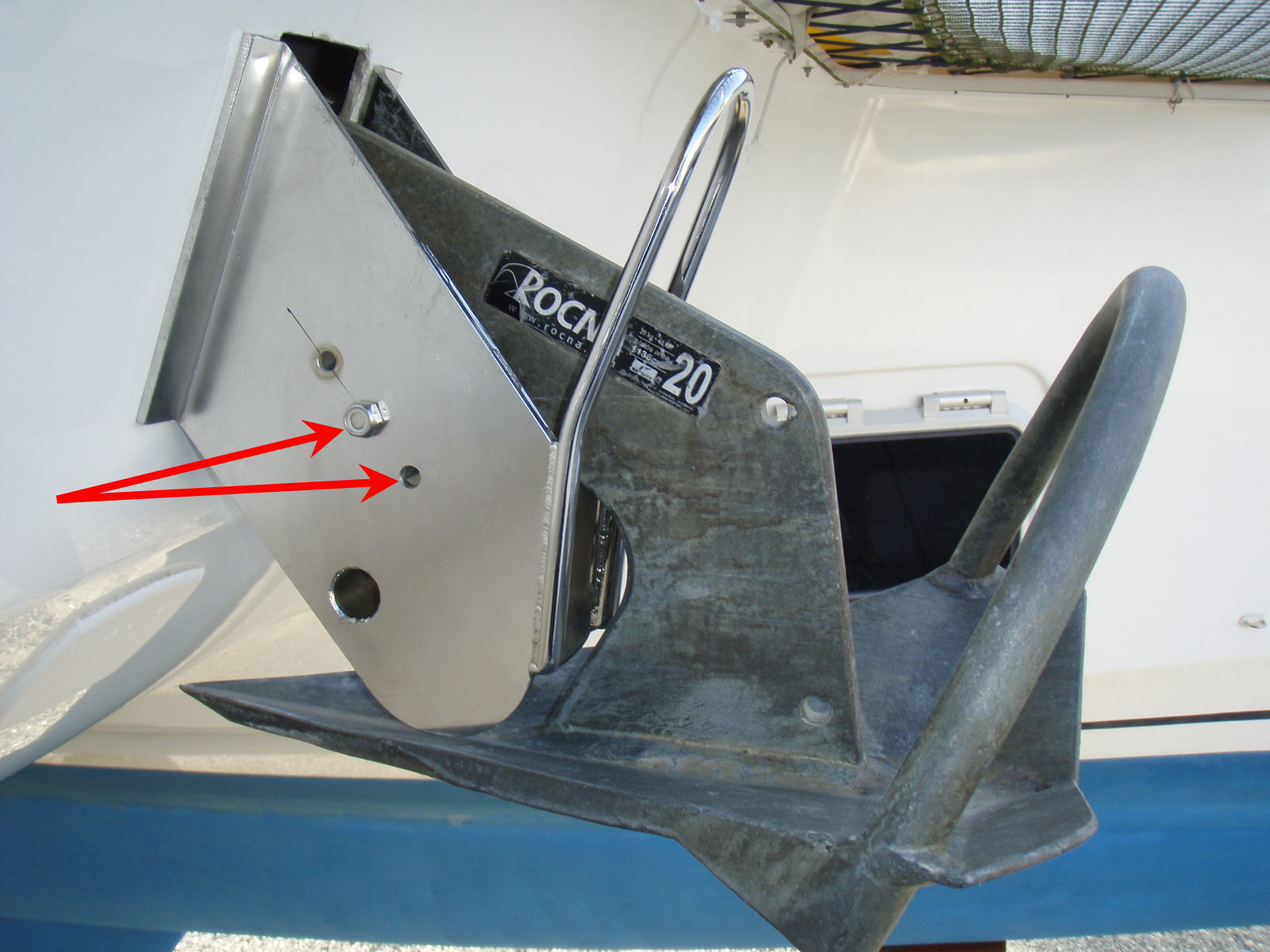 Click image for larger version  Name:Mahe 36 Anchor Davit adjustment.jpg Views:62 Size:206.7 KB ID:55980