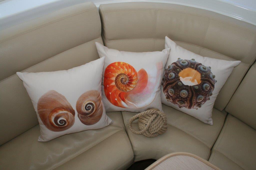 Click image for larger version  Name:nauti cushions (reduced).jpg Views:64 Size:64.3 KB ID:57558