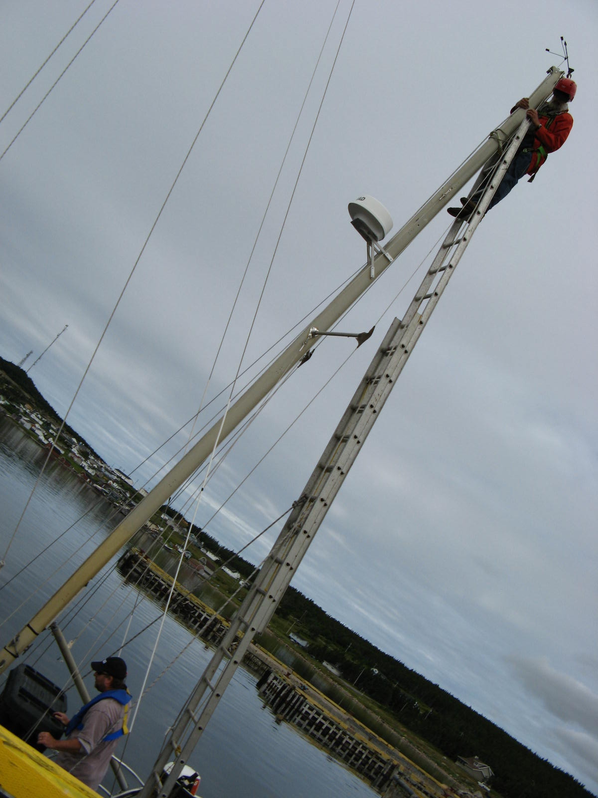 Click image for larger version  Name:Using Ladder to climb mizzen mast - fr side - 20110813.JPG Views:83 Size:172.3 KB ID:57739
