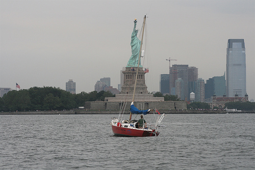 Click image for larger version  Name:nyc.jpg Views:172 Size:80.4 KB ID:5809