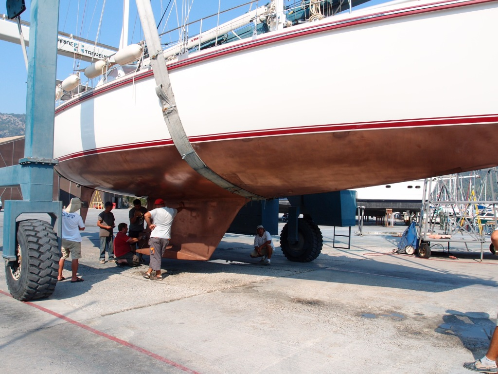 Click image for larger version  Name:Antifouling Oceoprotec.JPG Views:1305 Size:248.2 KB ID:58237