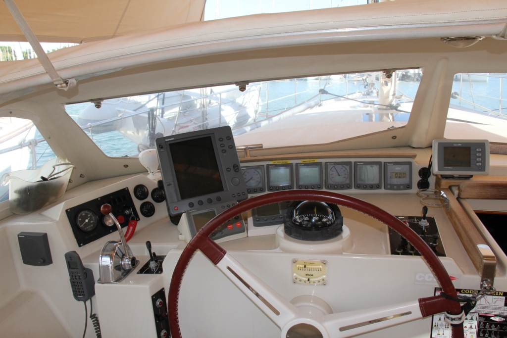 Click image for larger version  Name:Super Maramu 2000 - cockpit.JPG Views:1393 Size:305.9 KB ID:58249