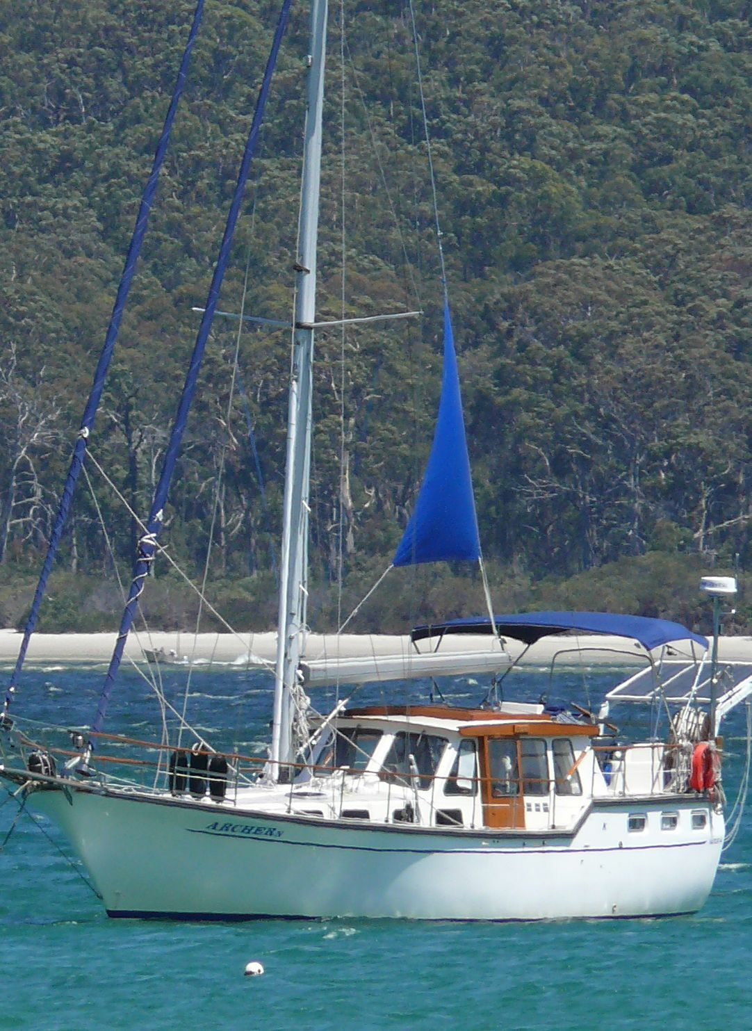 Click image for larger version  Name:riding sail.jpg Views:322 Size:308.6 KB ID:5852