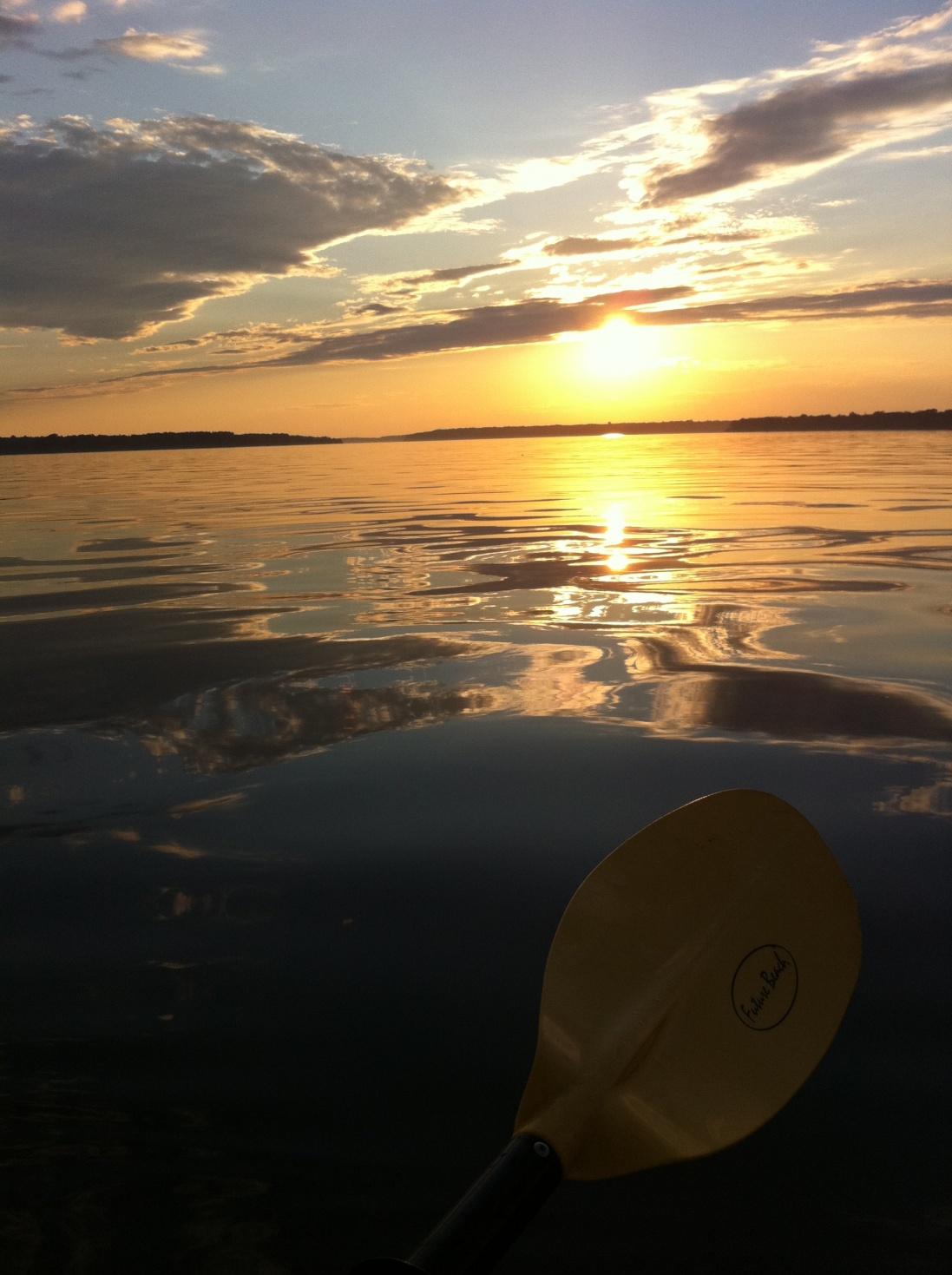 Click image for larger version  Name:Kayak Sunst.jpg Views:47 Size:401.0 KB ID:58575