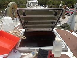 Click image for larger version  Name:aft cabin hatch.jpg Views:385 Size:420.2 KB ID:58626