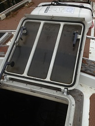 Click image for larger version  Name:companionway hatch.jpg Views:472 Size:408.3 KB ID:58627