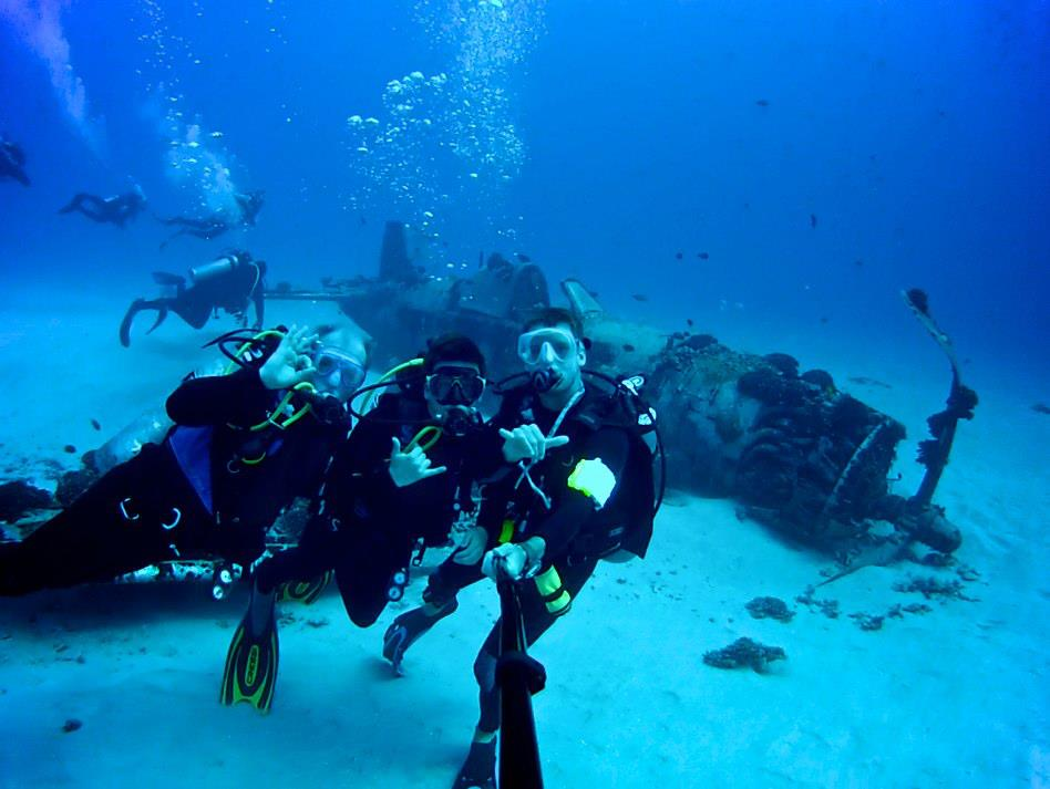Click image for larger version  Name:Bailey Dad and Scuba Instructor.jpg Views:89 Size:66.3 KB ID:60461