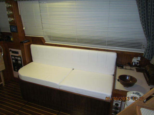 Click image for larger version  Name:New Settee pic 2.JPG Views:173 Size:53.9 KB ID:60712