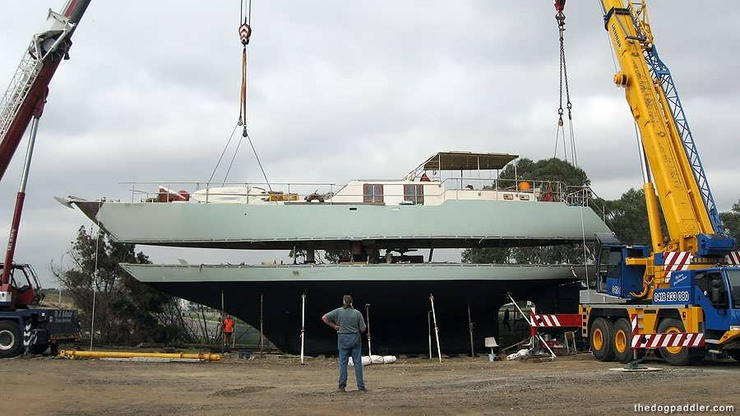 Click image for larger version  Name:75' Ferro launch.jpg Views:241 Size:215.6 KB ID:6088