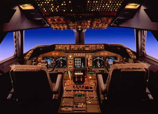 Click image for larger version  Name:747cockpit.jpg Views:72 Size:36.3 KB ID:6130