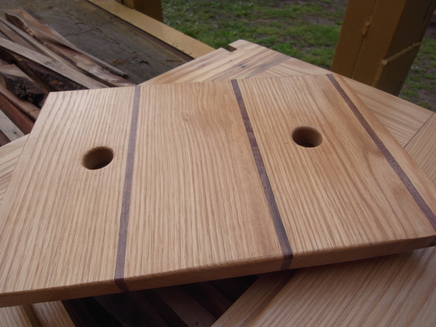 Click image for larger version  Name:walnut and oak.jpg Views:83 Size:410.4 KB ID:61409
