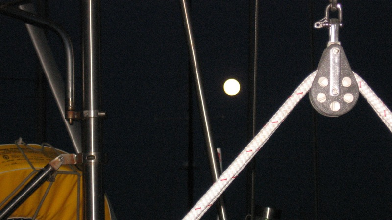 Click image for larger version  Name:moon.jpg Views:82 Size:101.7 KB ID:63040