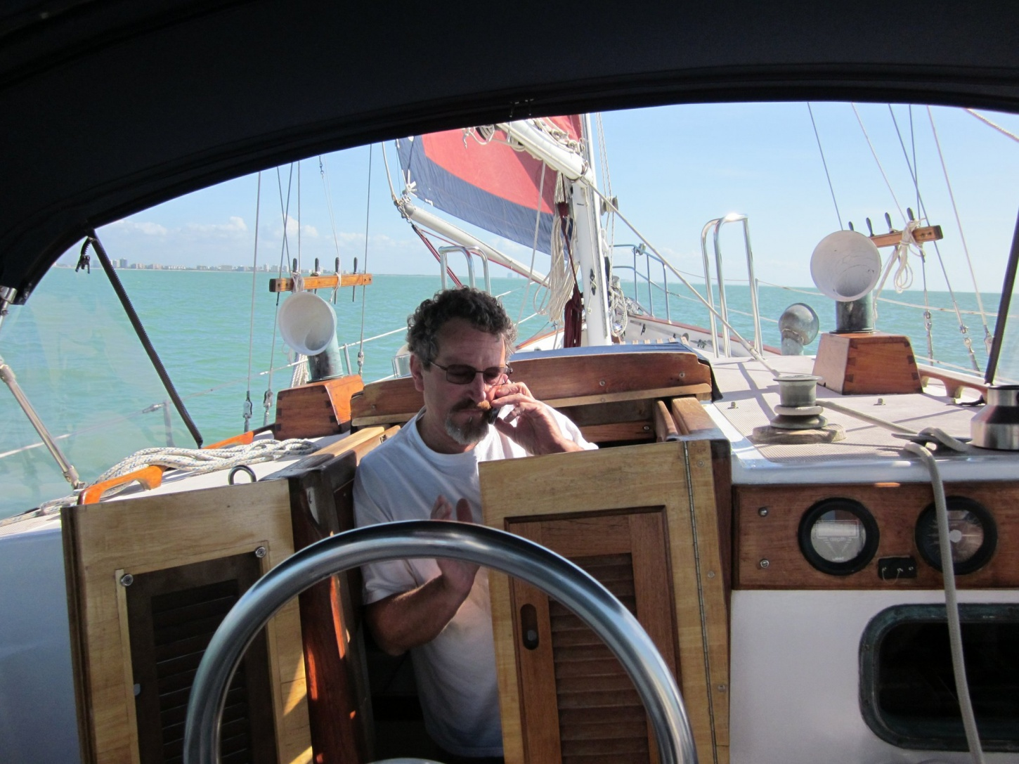Click image for larger version  Name:Randy Peck aboard Kataboo.jpg Views:282 Size:416.6 KB ID:63085