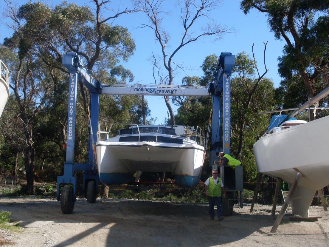 Click image for larger version  Name:Boat on Truck and blocks at Yaringa, 059.jpg Views:71 Size:436.5 KB ID:64806
