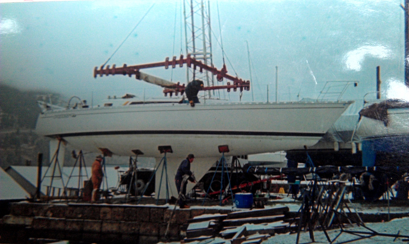 Click image for larger version  Name:boat on stands.jpg Views:74 Size:408.7 KB ID:66148