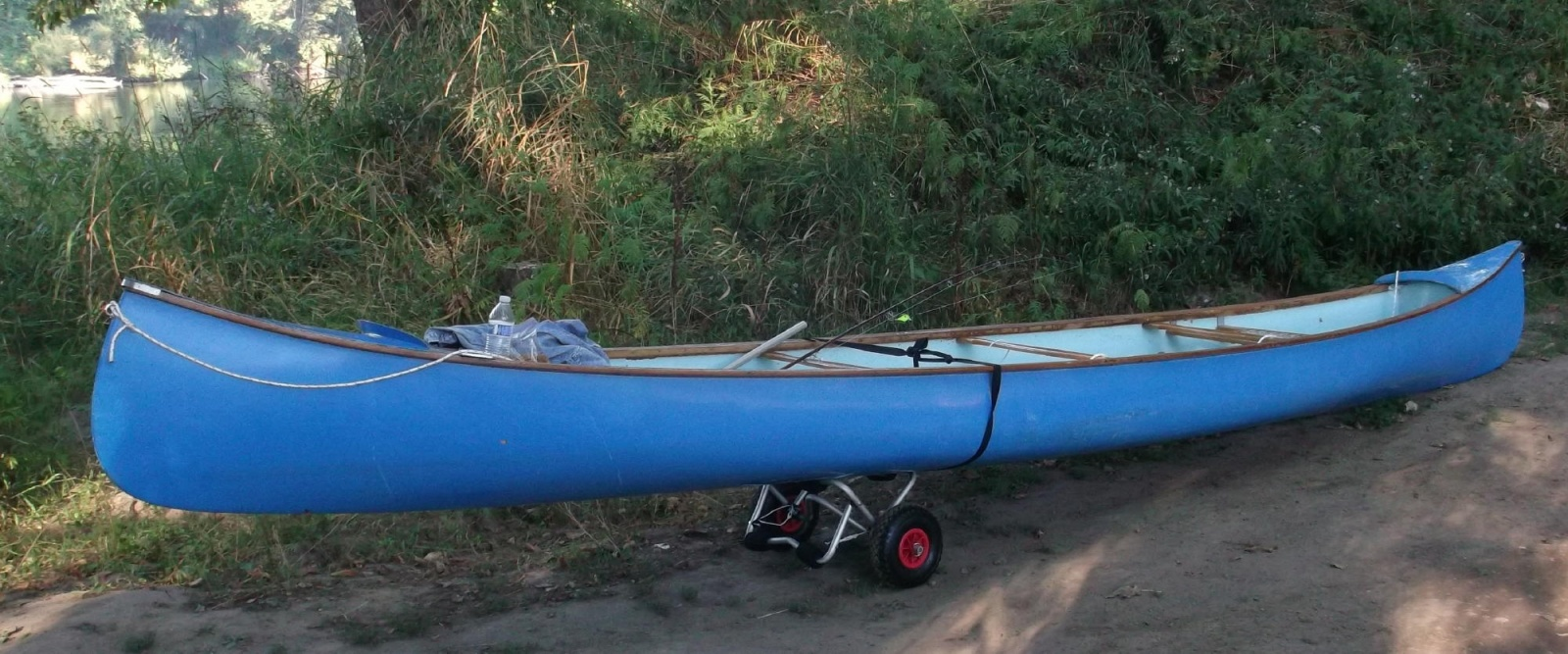 Click image for larger version  Name:canoe on wheels.jpg Views:45 Size:399.6 KB ID:67791