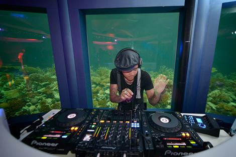 Click image for larger version  Name:Niyama-Subsix-club-DJ.JPG Views:169 Size:184.7 KB ID:68625