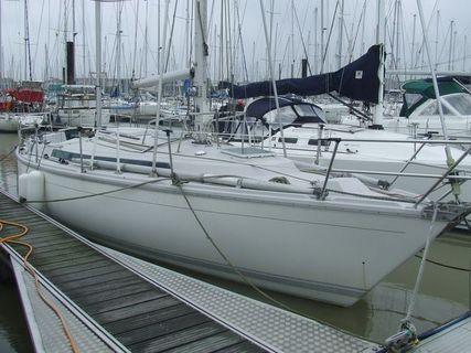 Click image for larger version  Name:gin fizz ketch rhosynmor.jpg Views:118 Size:42.9 KB ID:6869