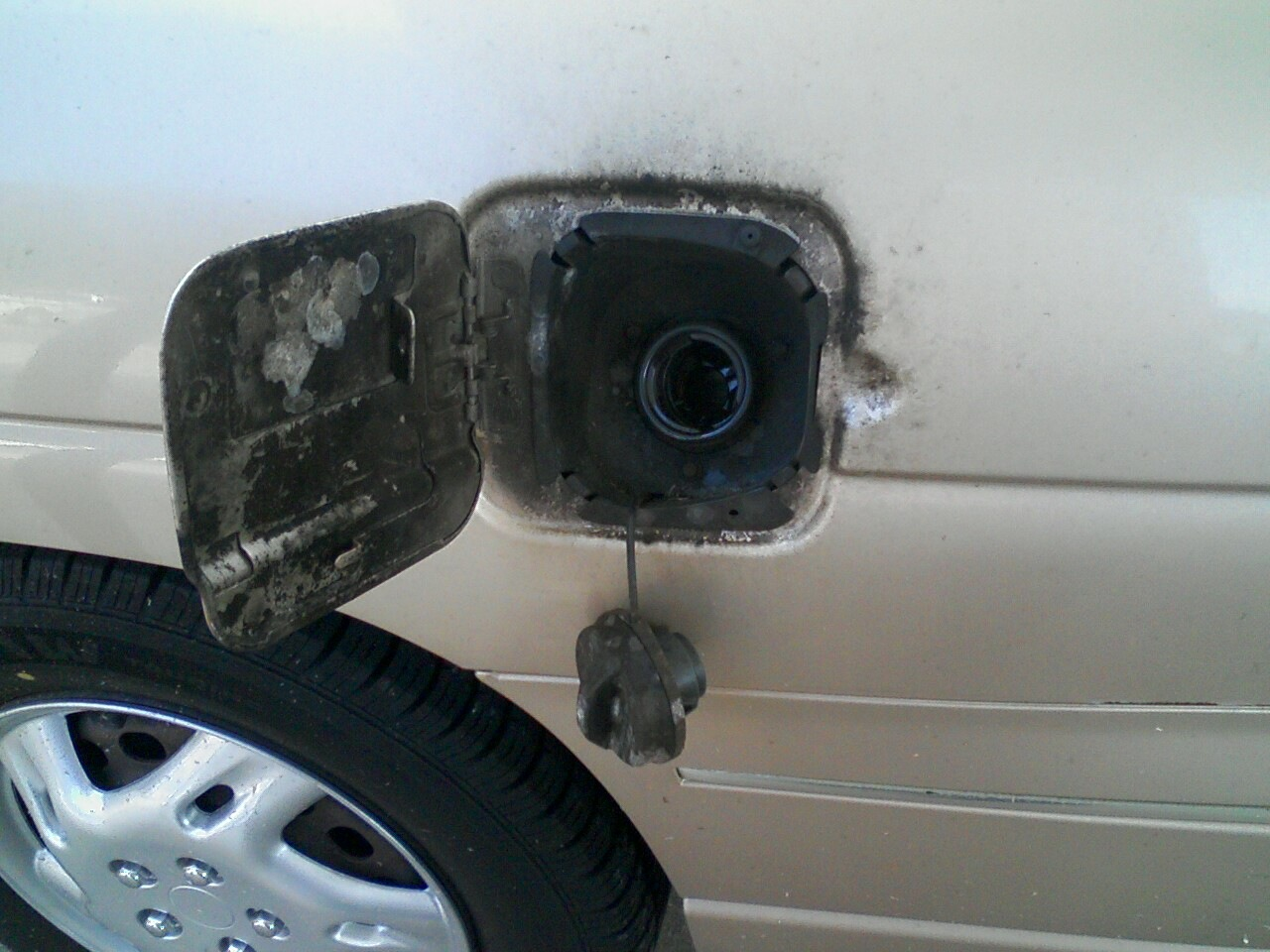 Click image for larger version  Name:gas cap.jpg Views:121 Size:259.2 KB ID:69105