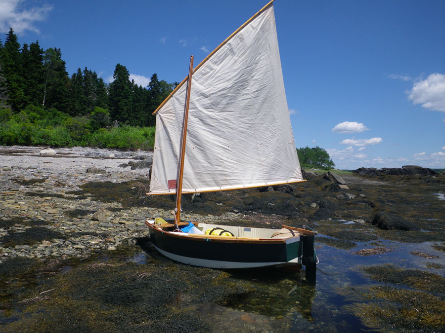 Click image for larger version  Name:Landing_on_Whaleboat_Island.jpg Views:90 Size:154.9 KB ID:69348